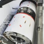 Elon MuskがLAの工事中のトンネル内にプロトタイプの「電気そり」と最初の写真を発表