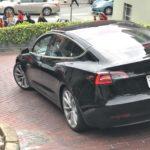 Tesla Model 3:新しい黒のリリース候補は素晴らしい