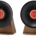 ヴィンテージビニールは、レトロなレコード版をイメージしたBluetoothスピーカー
