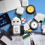 Maunziはスマートフォンを使ってレゴを作れ、コントロールできるロボット