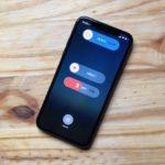 iPhone X:誤って911に電話しない方法