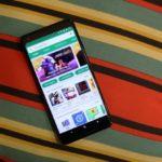 Google、Android開発者にアプリ内のクラッシュレポートを公開するか、Playストアから削除するよう警告