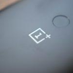 OnePlus 6は、OnePlus 5TおよびiPhone Xと比較したリーク画像が流出!ヘッドフォンジャックを搭載?